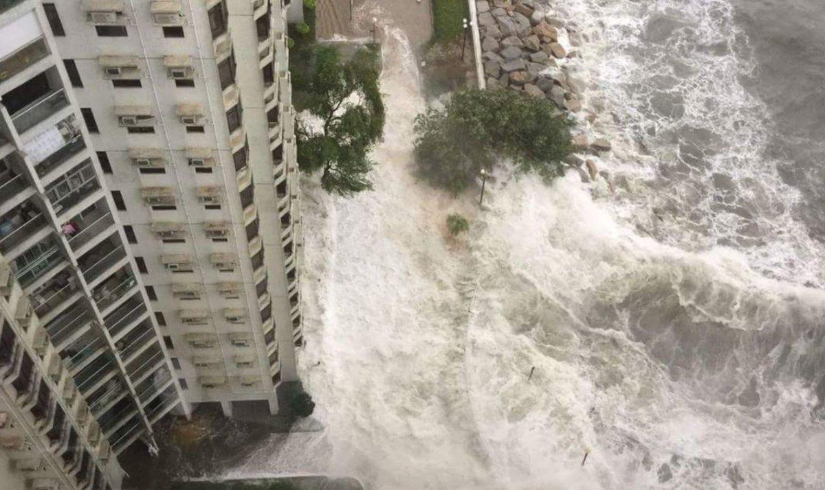 Hevige #regenval #overstromingen #hato zorgt voor overlast. Meer, https://t.co/N1xzgGZ5Wv https://t.co/C1PTs9JzKZ