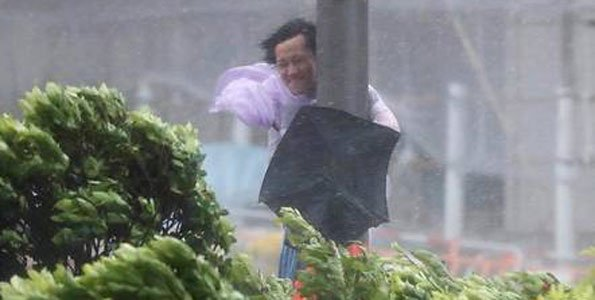 Severe Typhoon Hato hits Hong Kong