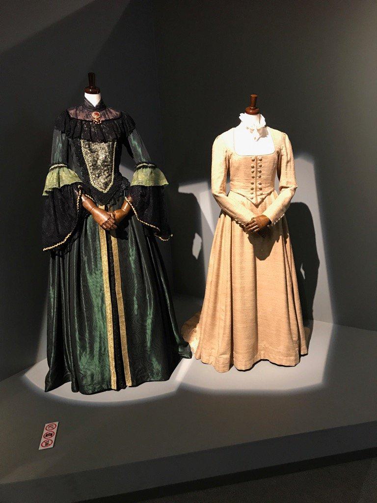 『ガラスの仮面』原画展❣️チラ見第8弾‼️作中劇「ふたりの王女」マヤのアルディスと、亜弓のオリゲルドの舞台衣装。じっくり