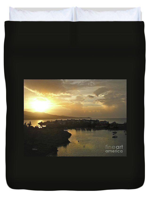 RT @FelipeAdanLerma: Jamaica Sunset Bay Duvet @FineArtAmerica https://t.co/yWRXMnyzhV #travel #Bedrooms https://t.co/oBN3i0Jeao