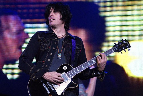 Happy Birthday Dean Deleo of Stone Temple Pilots I am  10 days older than you my friend