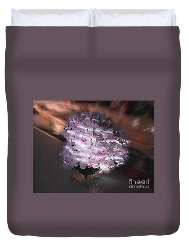 RT @FelipeAdanLerma: Hydrangea Swirl on Duvet @FineArtAmerica https://t.co/8Fwh22odtm #FloralGifts #BedroomDecor https://t.co/moW4JYQGKc