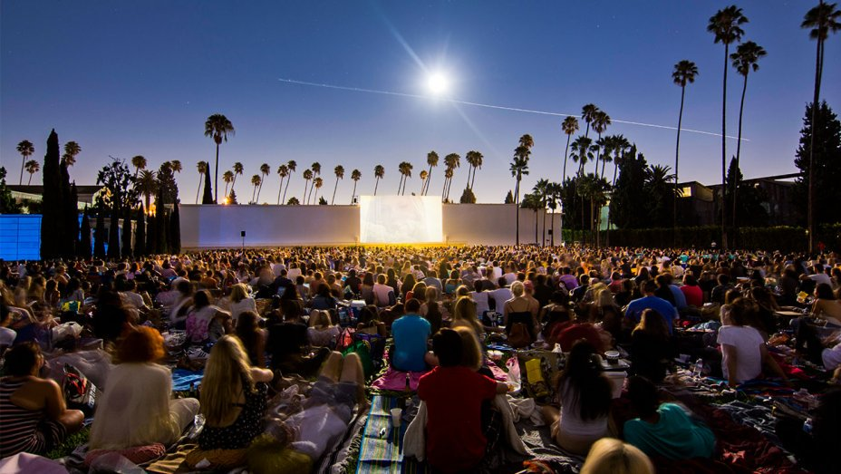 How watching movies in a cemetery became an L.A. summer staple https://t.co/GFt2dIvmfO https://t.co/2zhMetrCYP