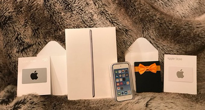 Woofy's Grand Giveaway, Win an iPad & over $2,000 in prizes!