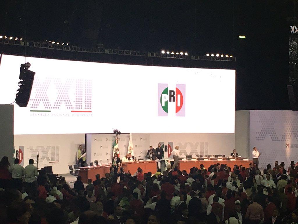 Los priistas damos inicio a  la #XXIIAsambleaNacionalPRI #TuVozPRImero https://t.co/hOp9j7laKP