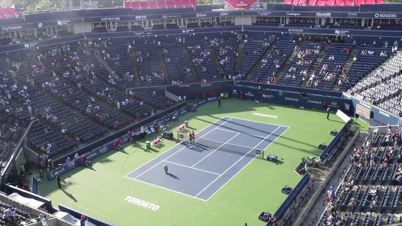 .@SimonaHalep and @ElinaSvitolina walk out for the second @RogersCup semifinal! https://t.co/WrXPxACxb8