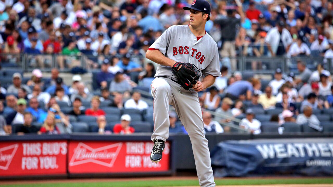 .@DrewPomeranz takes the hill for the 6th, working with the ��-3️⃣ #RedSox lead. https://t.co/HHBaDCacTb