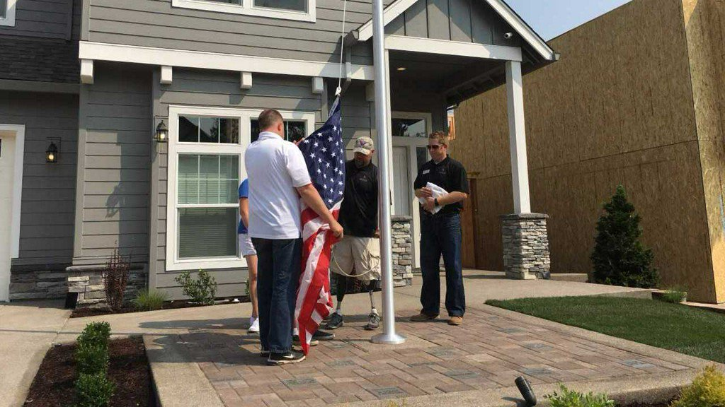 Tigard veteran receives new smart home from Gary Sinise nonprofit