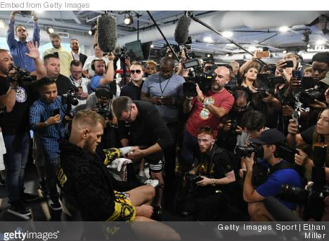 Fighters React to Conor McGregor's 'Knockdown' of Paul Malignaggi #mma #ufc https://t.co/3KzKEJlPxq https://t.co/kiudpxvnZR
