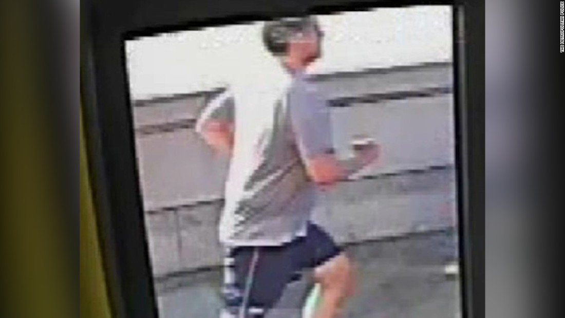 Hunt on for new suspect after man cleared of shoving woman into path of London bus https://t.co/u7yTi29RJ8 https://t.co/MToCfOq9ws