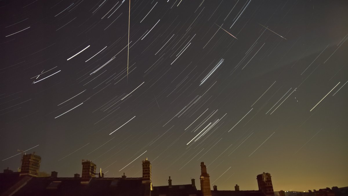 .@VirtualAstro That long one was taken from this 30min timelapse :) (4 sec photo every 5 secs) #PerseidMeteorShower https://t.co/ONBgs4KKV3