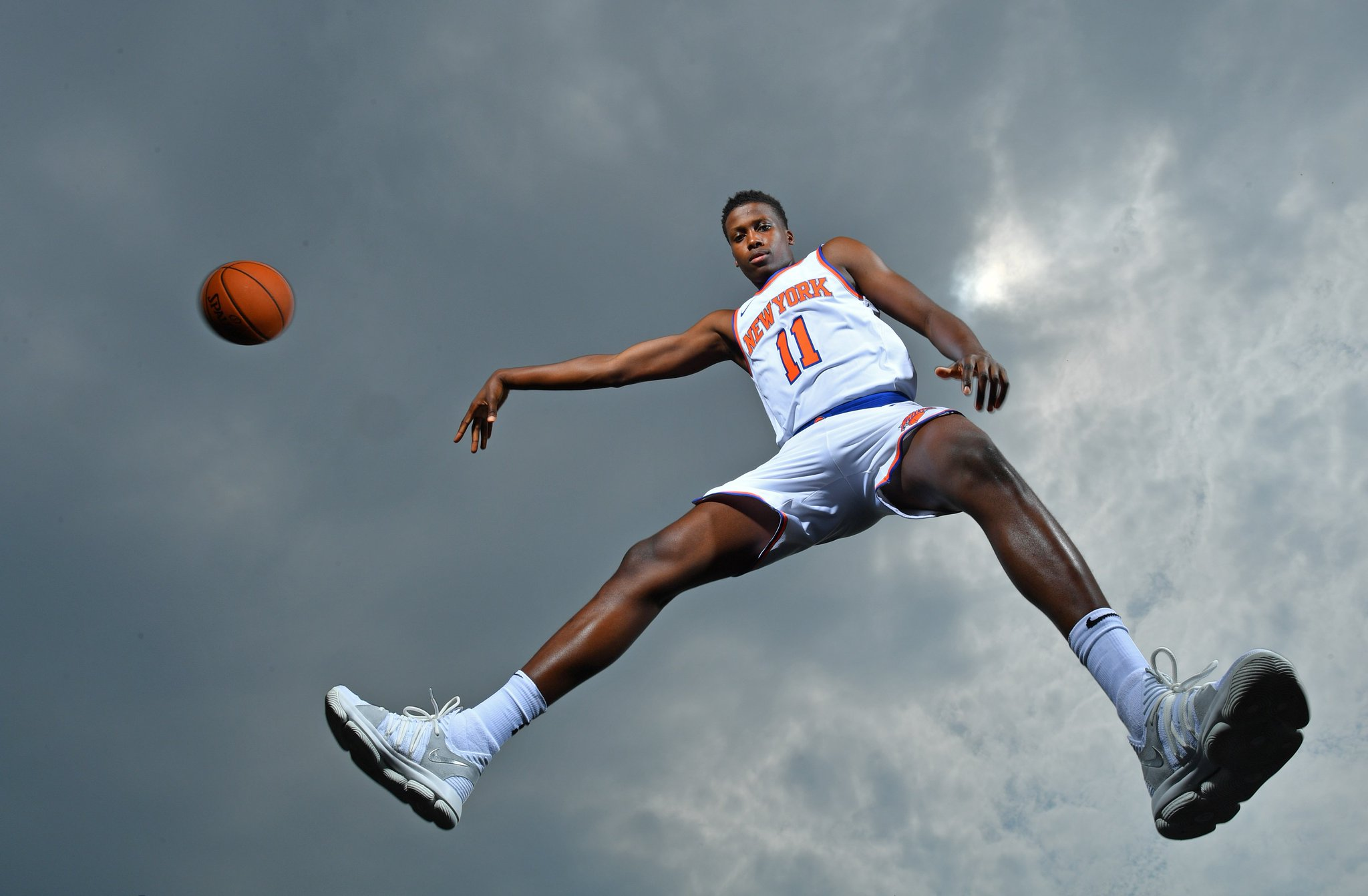 The sky's the limit! #NBARooks @FrankLikina, @Dennis1SmithJr, @1jordanbell, @jcollins20_   https://t.co/Mr12D0LheF https://t.co/Y8YQAGS6Ff