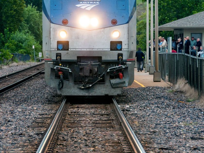 Amtrak's eclipse train in Illinois sells out in 22 hours