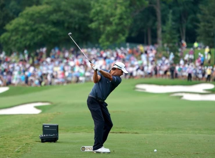 Golf: Kisner in sole lead after Matsuyama bogey at the first https://t.co/gNkB4135g4 https://t.co/MuPB68xa4u