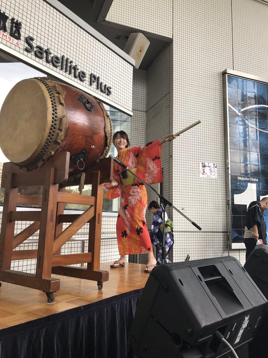 ゲストの小松未可子さん登場!大太鼓をみんなで叩きました! #kimimachi