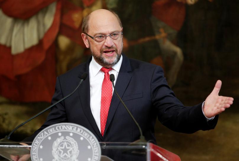 Merkel rival Schulz says executives endangering German car industry https://t.co/PKxwRQalSM https://t.co/Sdk9RY8zrx