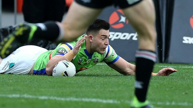 NRL: Canberra Raiders keep season alive with win over New Zealand Warriors
