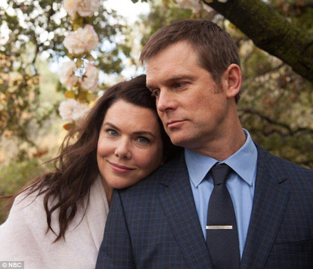 Happy birthday to Peter Krause!