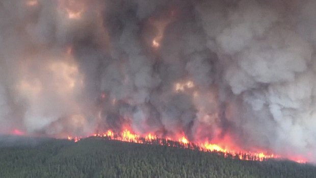 Music festival that was cancelled due to wildfire is back on for a final night