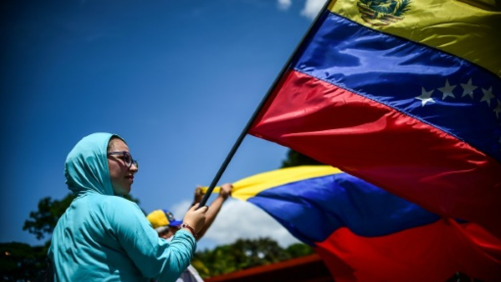 Venezuela opposition rejects 'military threat'
