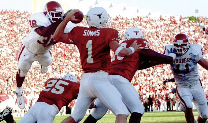 Happy birthday to Oklahoma and Cowboys legend Roy Williams!   still one of the greatest plays in CFB history!