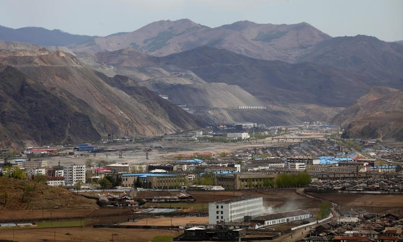 China pressed iron ore traders to halt business even before U.N. sanctions