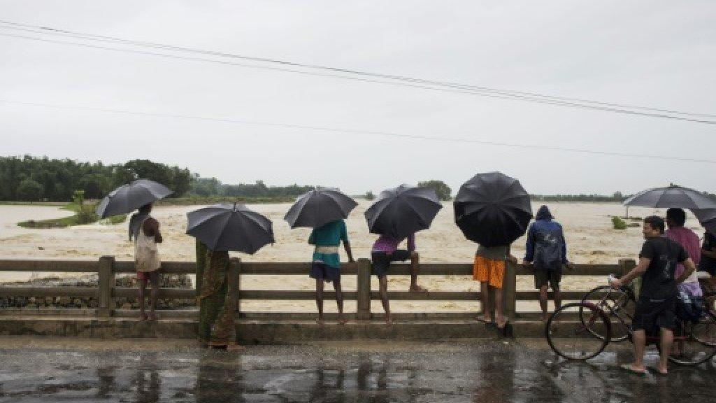 Floods kill 165 in India, Nepal and Bangladesh