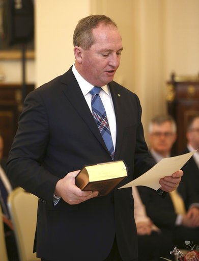 Australian deputy prime minister under citizenship cloud