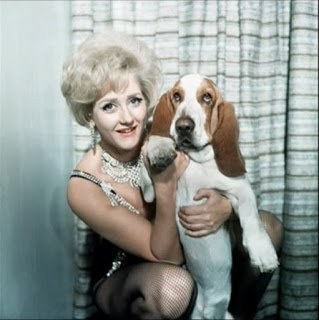 A very happy birthday Liz Fraser, 87 today - always great fun in British films & TV from the mid-50s on
