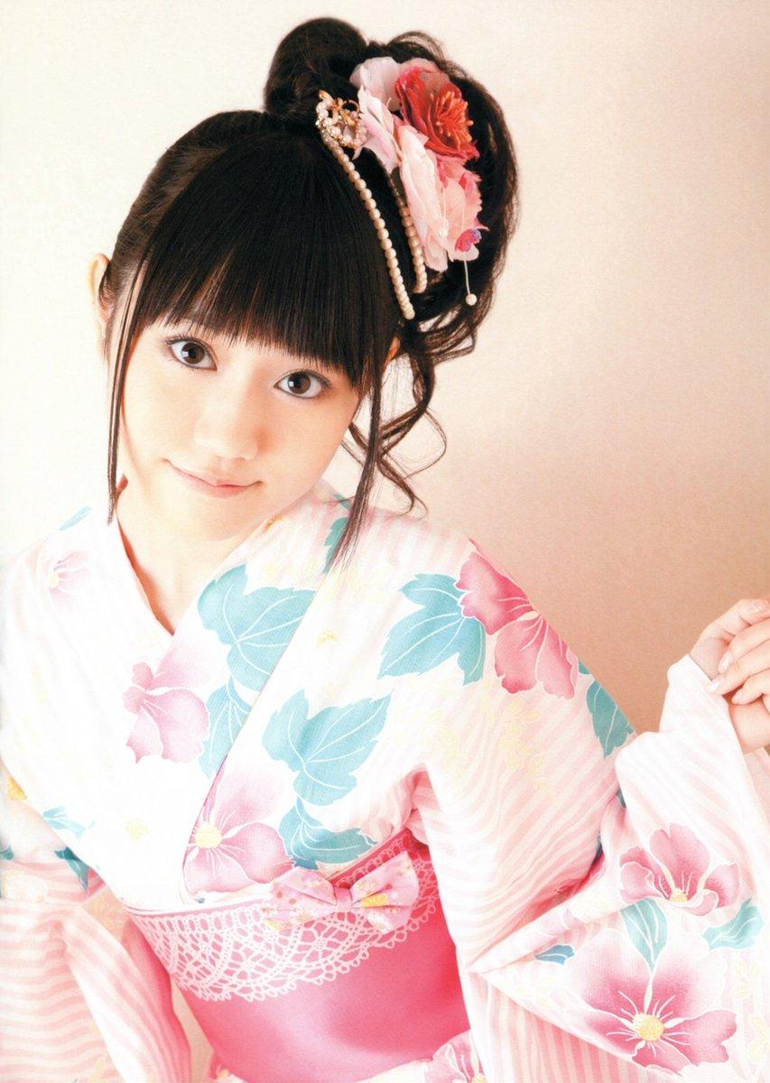 本日は小倉唯ちゃんの誕生日!!俺の妹系の嫁さんです。マジで唯ちゃんは天使!!ロウきゅーぶ!の時に天使すぎて衝撃を得たのは
