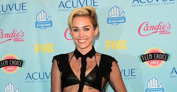 Here's why Miley Cyrus skipped the 2017 Teen Choice Awards:
