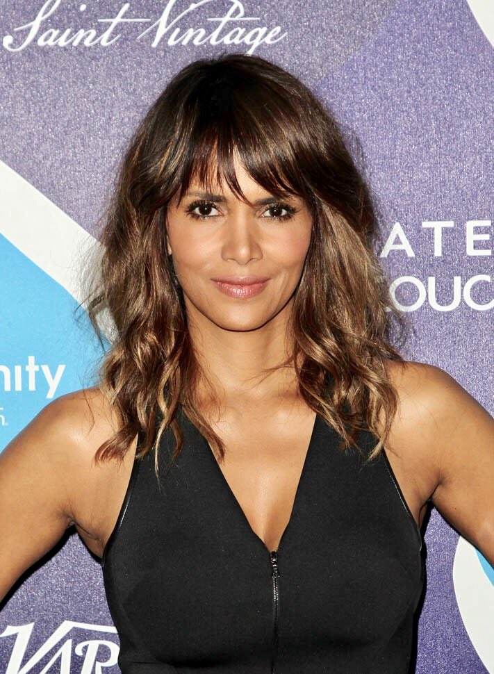 Happy birthday gorgeous Halle Berry. Looking like that at 51 is a dream of most of us.