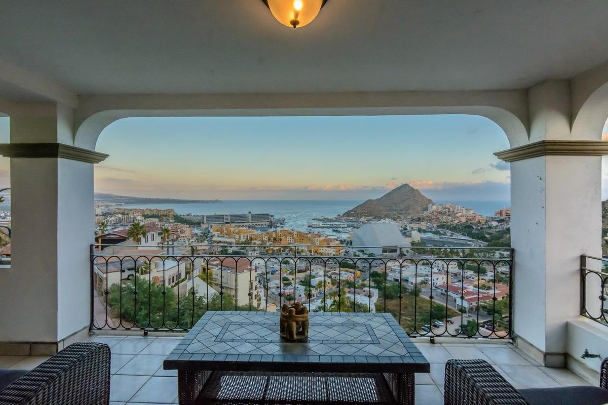 CASA GORDON Cabo San Lucas, MLS# 17-91 5 beds  |  7101.6 sqft $869,000 USD More info: https://t.co/5ZKxyqdWXu https://t.co/RGgRIA4aIj