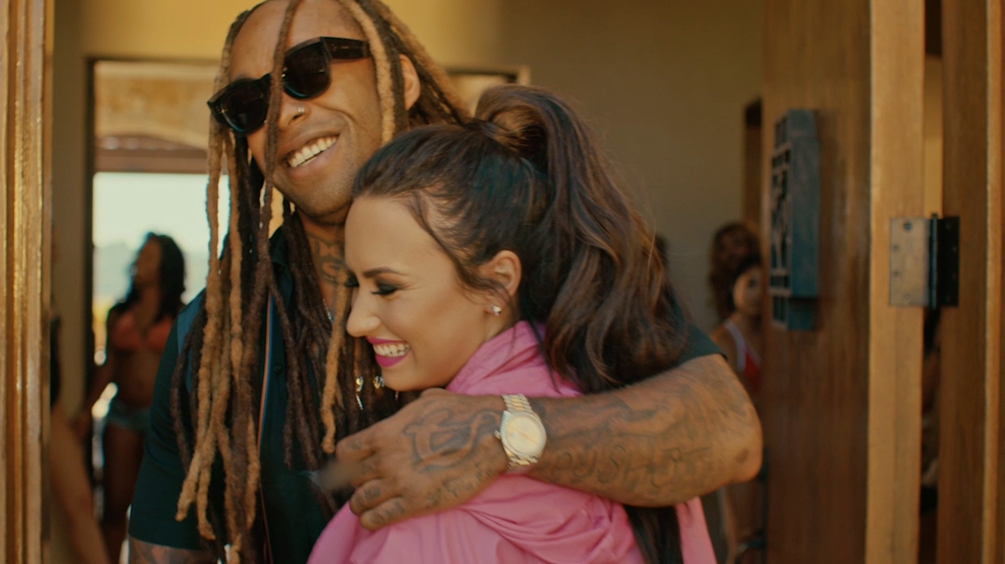 #SomethingNew video is here!! https://t.co/HppWIsU9Hr ������ @wizkhalifa @tydollasign https://t.co/gP1sA7R6qy