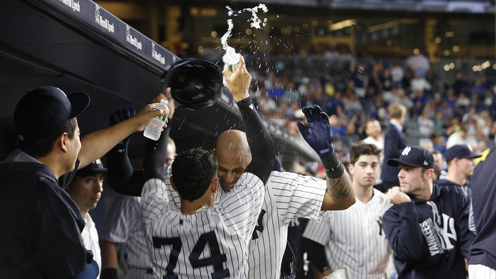 RECAP: Hicks, Judge, Sanchez all hit their 40th career HRs in Subway Series win. https://t.co/vAKoEAJY4W https://t.co/e1rYRJyIpT