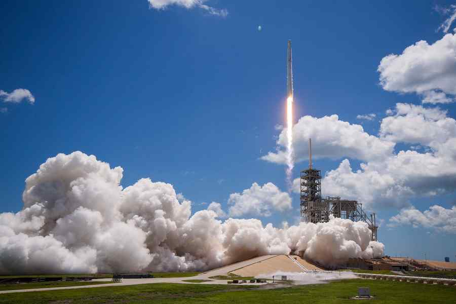 SpaceX launches successful 12th International Space Station resupply mission
