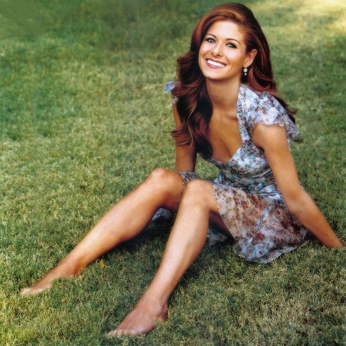 Happy Birthday to Debra Messing who turns 49 today!