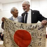 US vet returns dead Japanese soldier's flag
