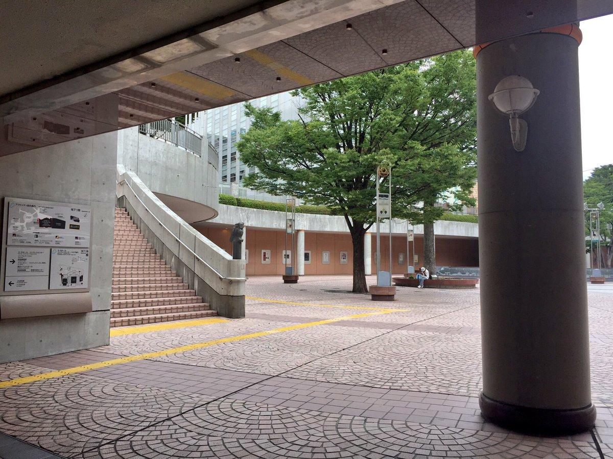 planetarian 聖地巡礼③ 射撃を終え反転、暗いアクトシティ連絡地下道を駆け抜け円形の地下広場へ。広場の上は、駅
