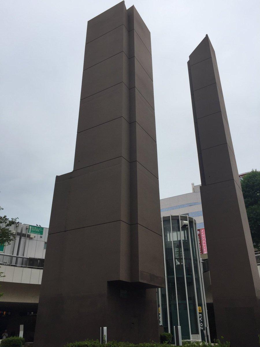 planetarian 聖地巡礼④ 地下広場中央に佇む「伸びゆく浜松」のモニュメント。地下道から来た勢いのままその脇をす