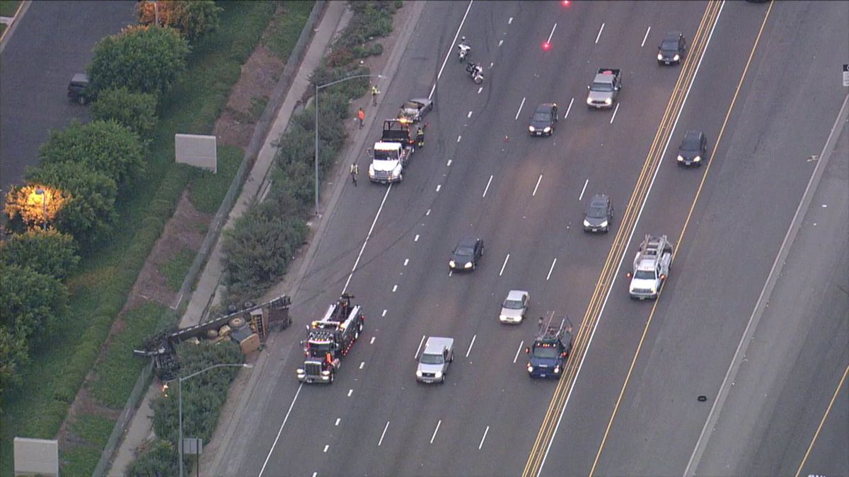 Irvine Update Traffic Moving Slowly On 5 South Following Crash Involving Big Rig At Alton