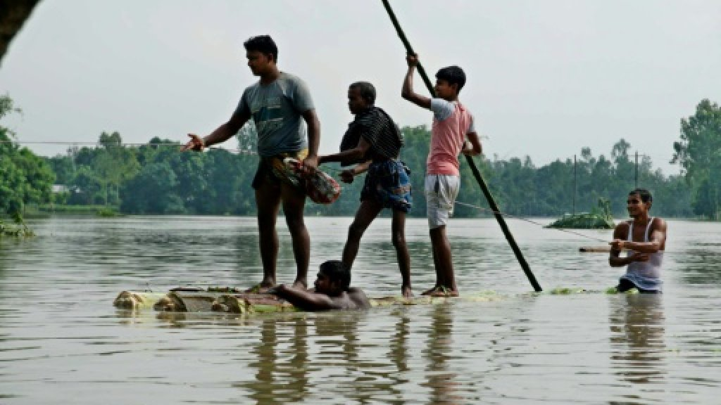 At least 220 dead in India, Bangladesh, Nepal floods