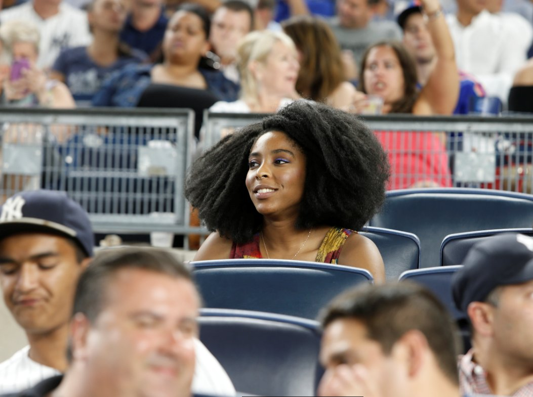 .@msjwilly's face last night = ours now while daydreaming about more #SubwaySeries baseball in 7 hours! https://t.co/KnBc6bIpuk
