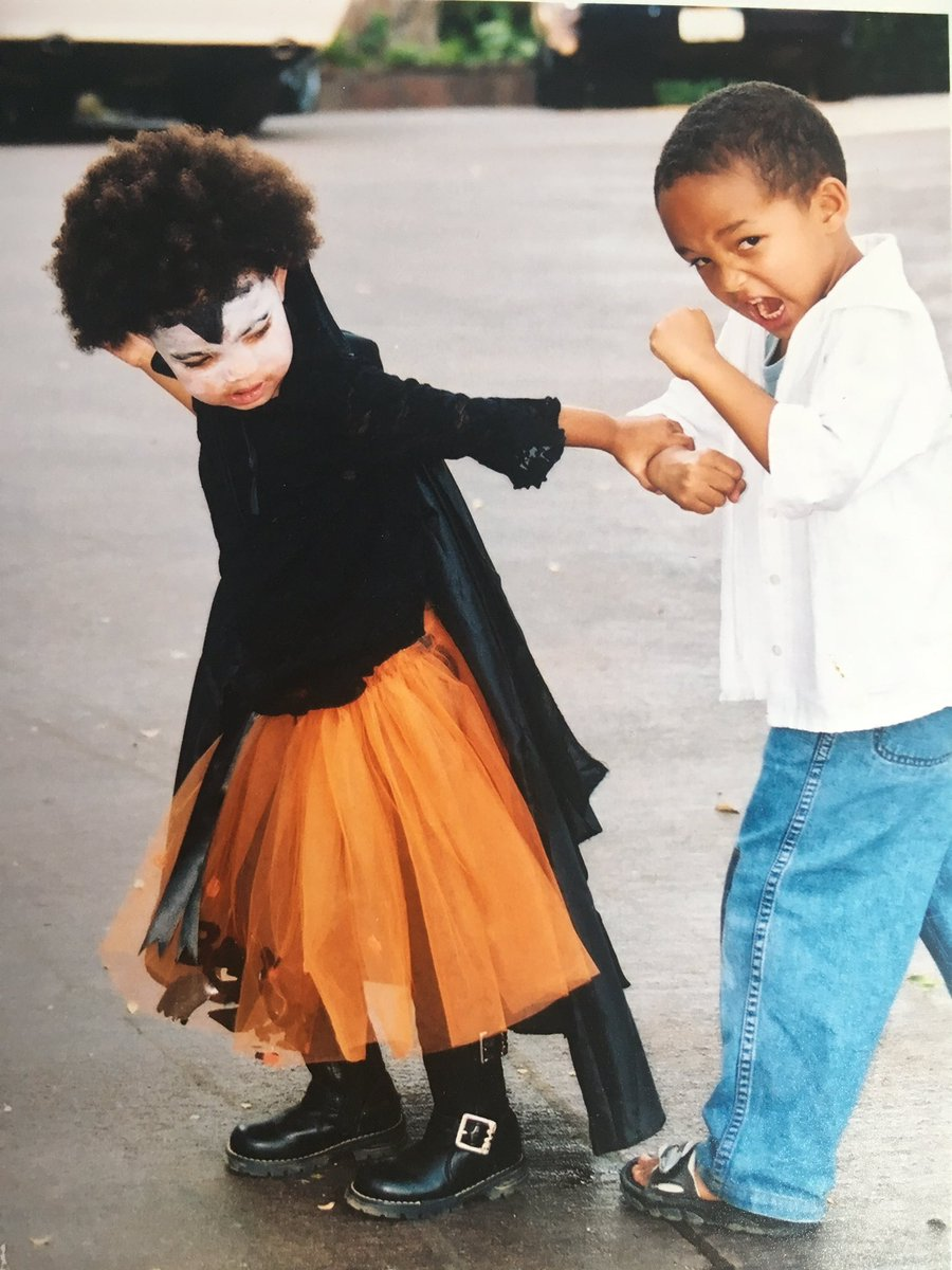 Vampire Princess Willow and Jaden. Mommy moments never get old???? https://t.co/6OIxW6BWiG