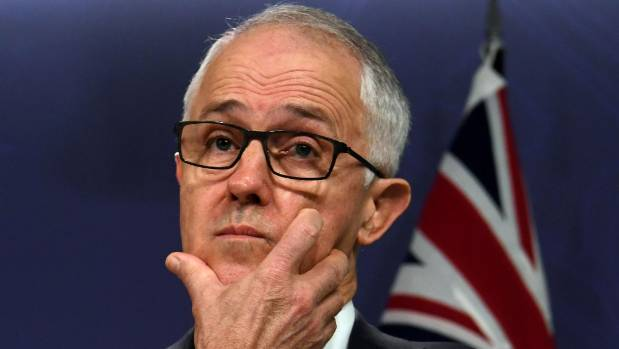 Rocked by citizenship drama, Turnbull government ponders 'nuclear option'