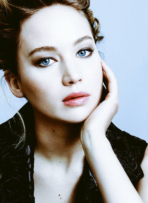 The beautiful and talented actrees Jennifer Lawrence celebrates 27 years. HAPPY BIRTHDAY
