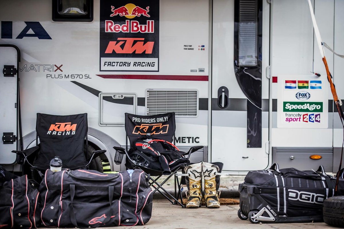 All the gear, but no rider, all is waiting to be filled shortly! https://t.co/tnYnfM6iB1