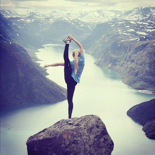 test Twitter Media - Spectacular ballet pose overlooking gorge. #Ballet #Mountains #Nature #EllenRothAuthor https://t.co/xhuu9fNBjN