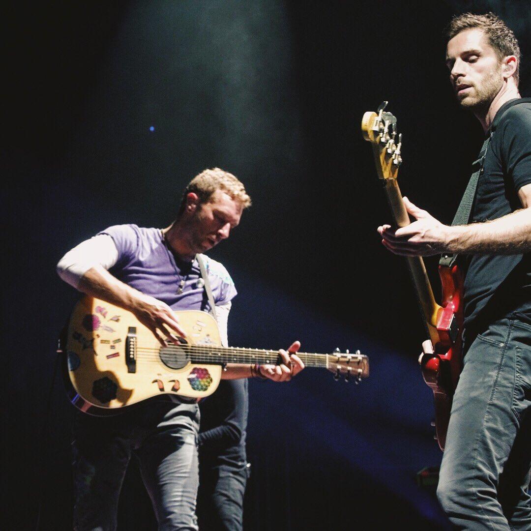 Birds #ColdplayKansasCity R42 https://t.co/JzS8vLWkeD