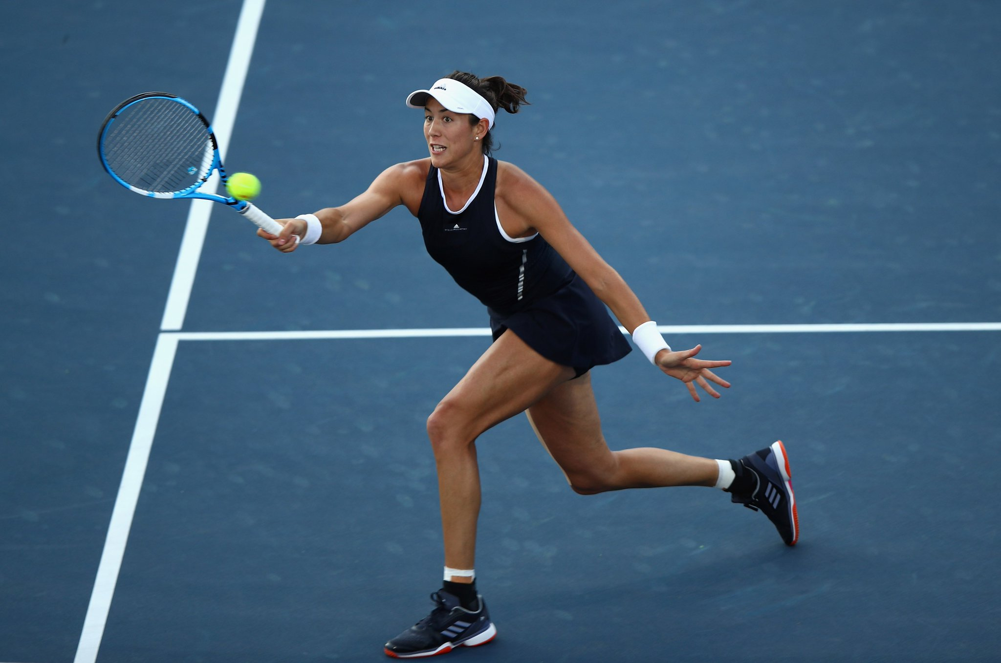 .@GarbiMuguruza drops only TWO games in #CincyTennis Second round!  HIGHLIGHTS--> https://t.co/vvbip8XoM1 https://t.co/Q2VLGL4FhM